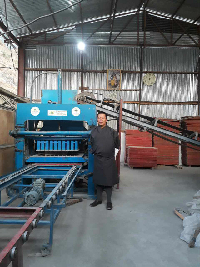 Contacto del agente de ZCJK Bhután para controlar la máquina (4)